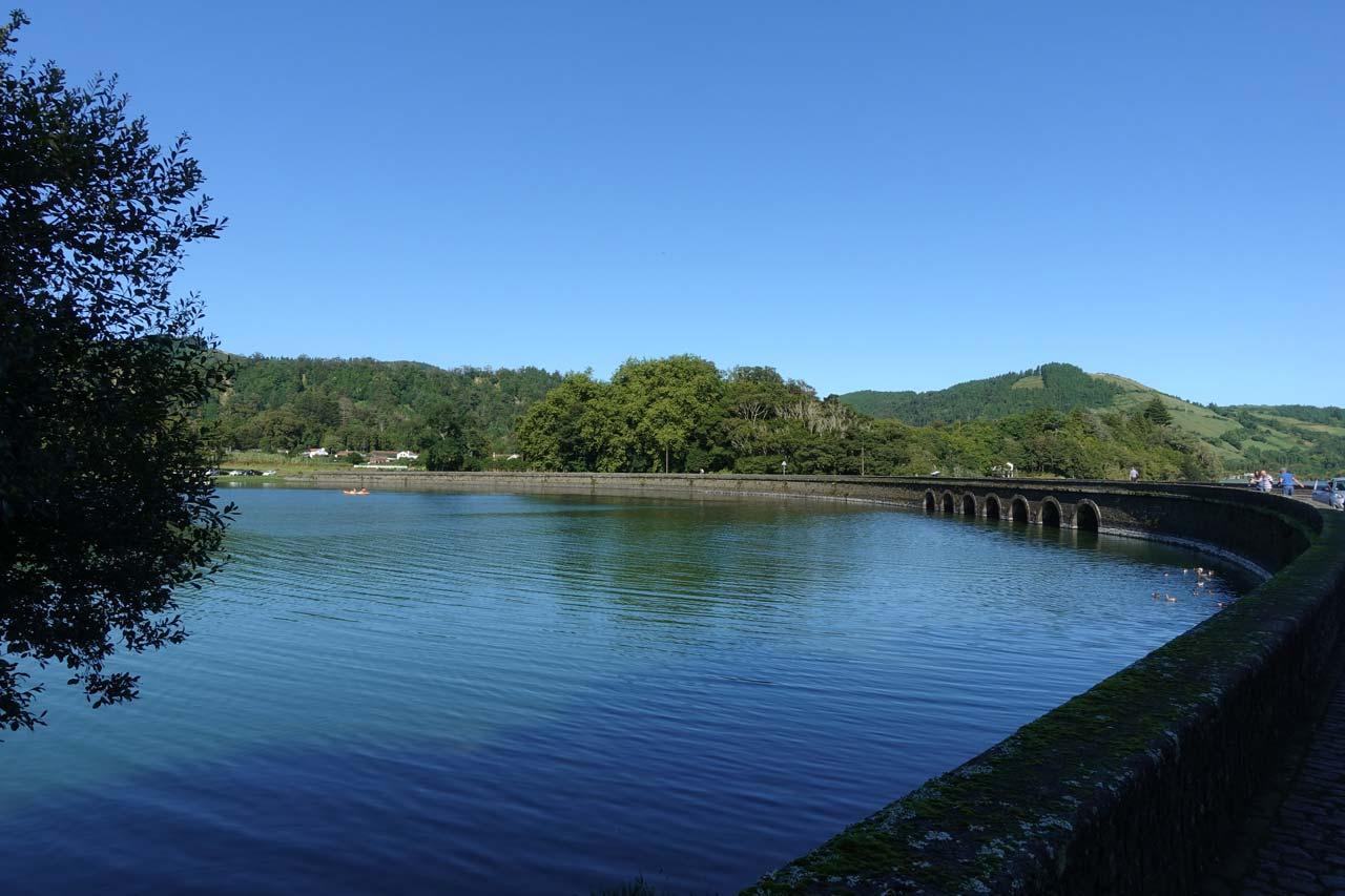 Une journée à Sete Citades et Mosteiros entre lacs et bains thermaux