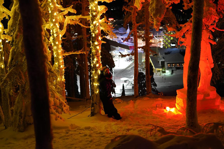 ruka station ski finlande statues de glace