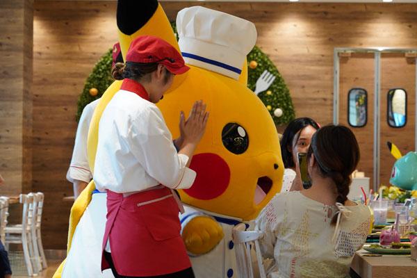 pikachu pokémon café