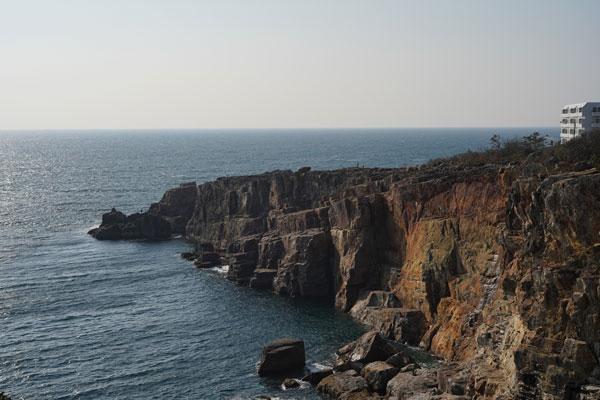 Sandanbeki Rock Cliff